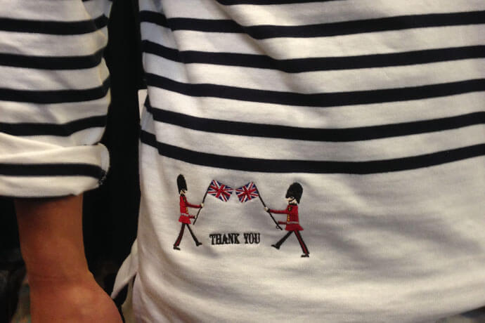 刺繍入りTシャツ2枚目