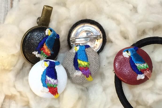 オウムのくるみボタン刺繍のアレンジバリエーション