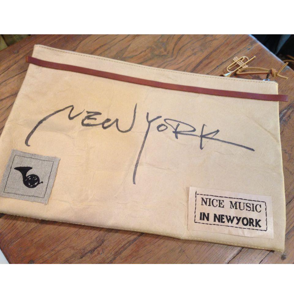 紙へ刺繍New York全体表