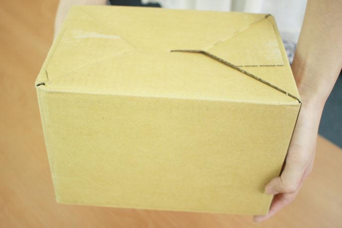 宅配便向けの段ボールでの配達梱包