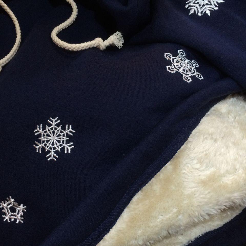 セミオーダー刺繍S-2「雪柄スノーフレーク」のワンピースアップ
