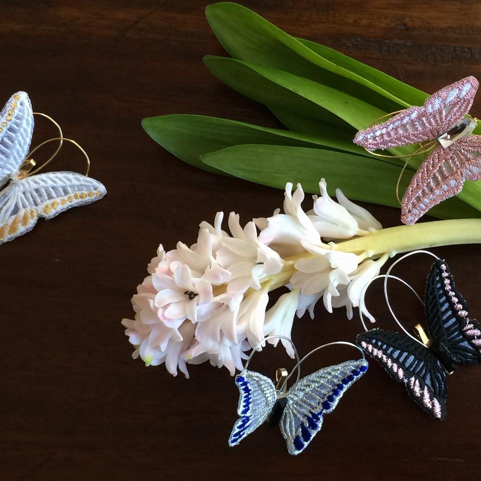 蝶々刺繍ブローチ/全体ヒヤシンスアップ