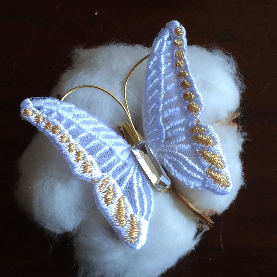 蝶々刺繍ブローチ/White