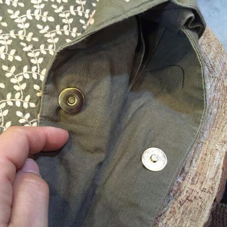 リーフ刺繡内側ボタン