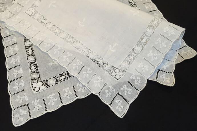 Buranoハンドワーク刺繡ハンカチーフ:スリットスクエア2枚