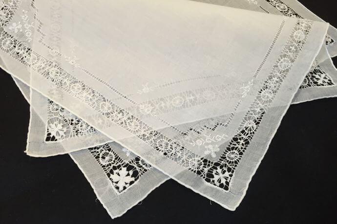 Buranoハンドワーク刺繡ハンカチーフ:サークルフラワー2枚