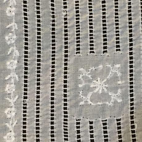 Buranoハンドワーク刺繡ハンカチーフ:スクエアカットサイド