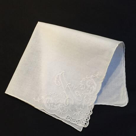 Buranoハンドワーク刺繡ハンカチーフ:イニシャル A4ツ折り