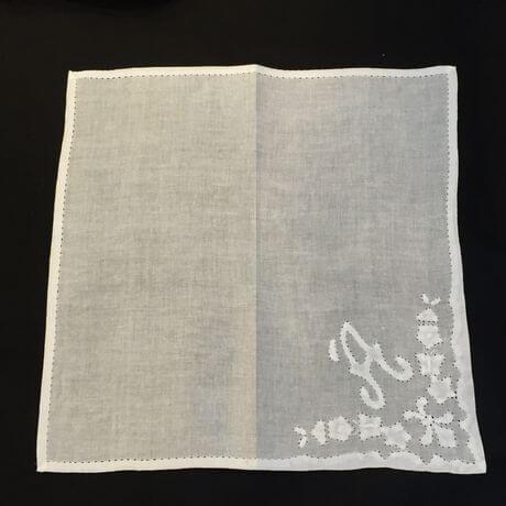 Buranoハンドワーク刺繡ハンカチーフ:イニシャル A全体