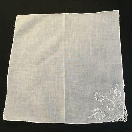 Buranoハンドワーク刺繡ハンカチーフ:イニシャル I正方形II