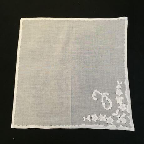 Buranoハンドワーク刺繡ハンカチーフ:イニシャル J正方形