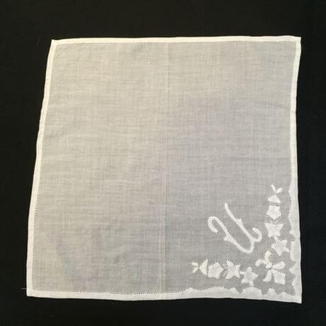 Buranoハンドワーク刺繡ハンカチーフ:イニシャル U正方形
