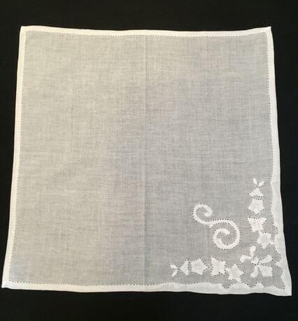 Buranoハンドワーク刺繡ハンカチーフ:イニシャル S正方形