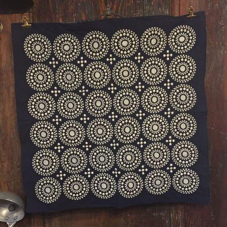 サークル刺繡ハンカチーフINDIANV