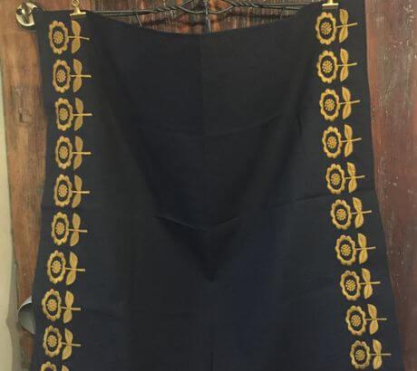 デイジーフラワー刺繡ハンカチーフINDIADグレー