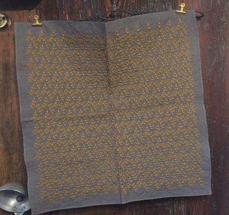 リーフフラワー刺繡ハンカチーフINDIAGrey