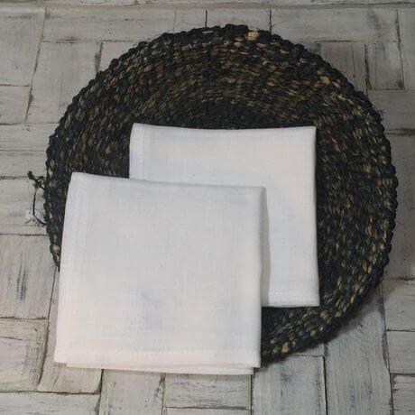 リネンハンカチ:黒糸クロスステッチ刺繡ハンカチWH