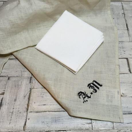 リネンハンカチ:黒糸クロスステッチ刺繡サンプルとWH