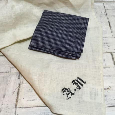 リネンハンカチ:黒糸イニシャルクロスステッチ刺繡ハンドcheckblackハンカチ