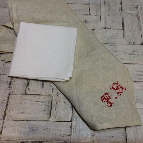 リネンハンカチ:赤糸イニシャルクロスステッチ刺繡サンプルとWH