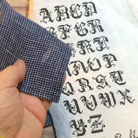 リネンハンカチ:黒糸イニシャルクロスステッチ刺繡ハンドcheckblack