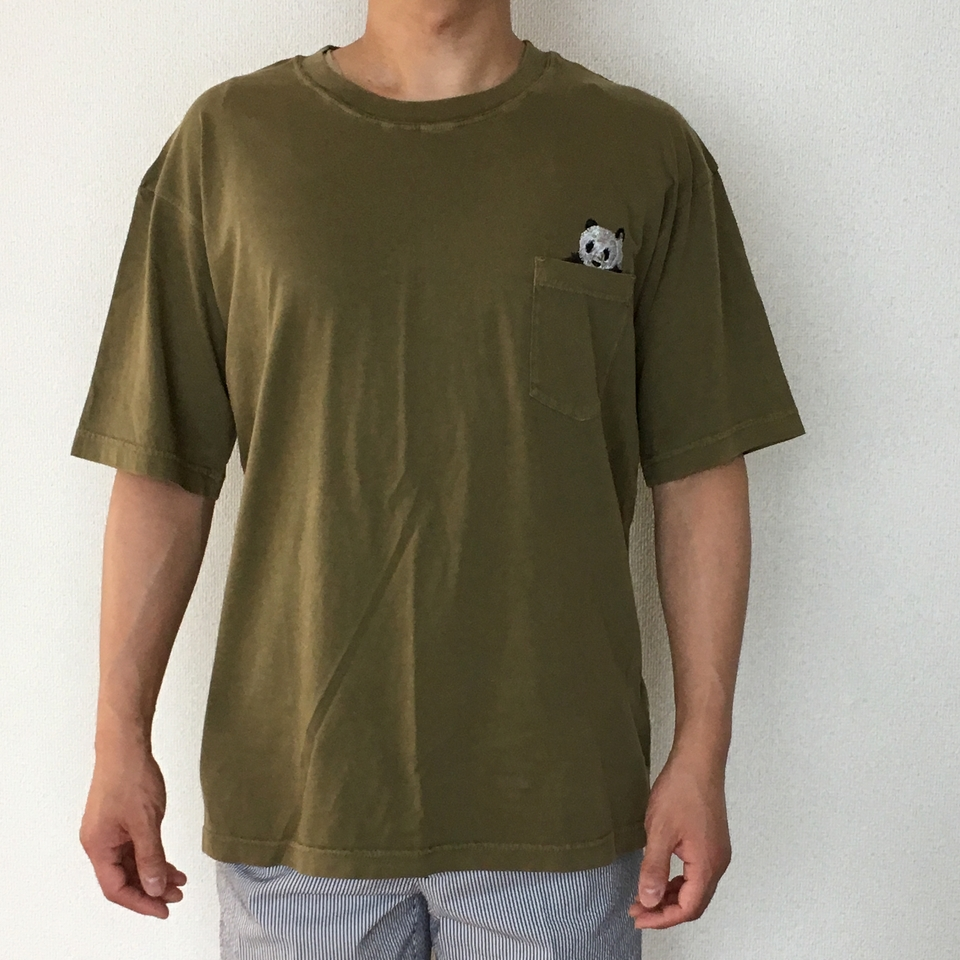 のぞくパンダ刺繍Tシャツ着用正面