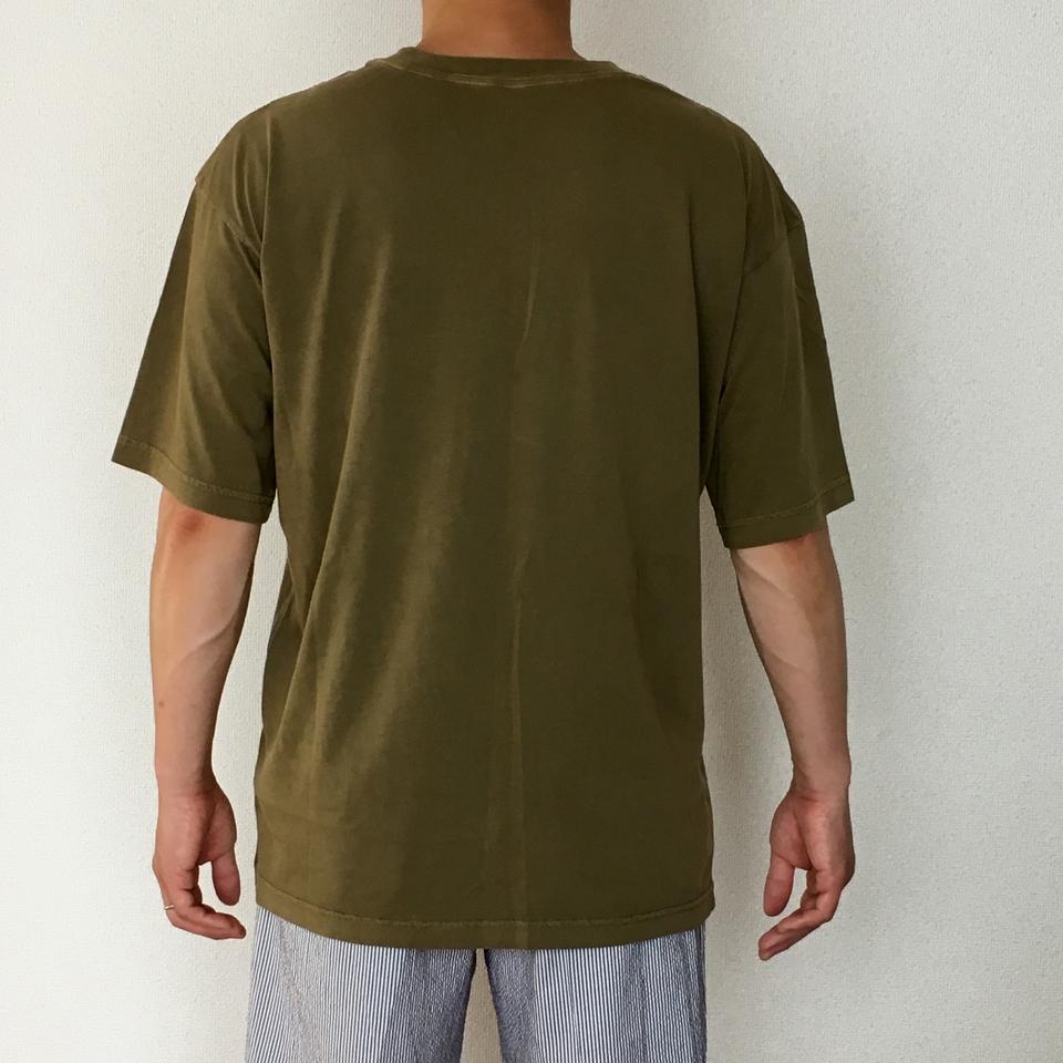 のぞくパンダ刺繍Tシャツ着用背面