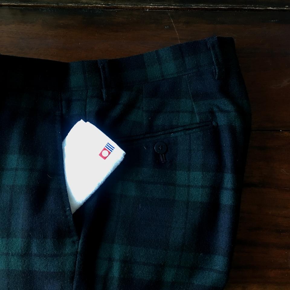 今治ポケットタオルハンカチ刺繍入れパンツのポケットへ