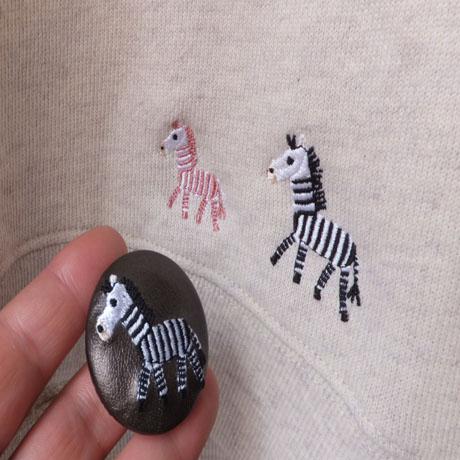 シマウマ 刺繡ボタンスウェットと一緒