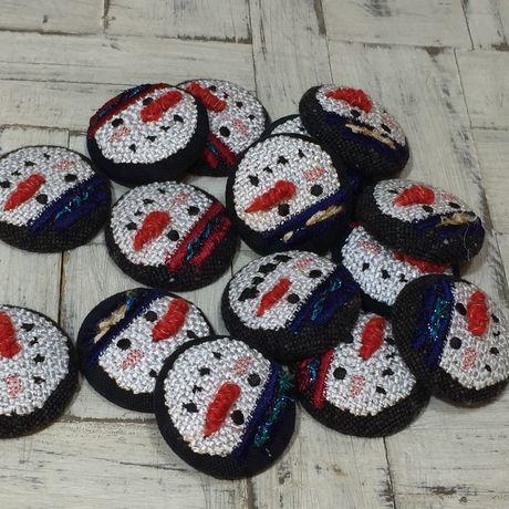 スノーマン人参刺繍くるみボタンブローチたくさん