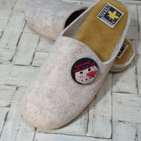 スノーマン人参刺繍くるみボタンブローチ靴