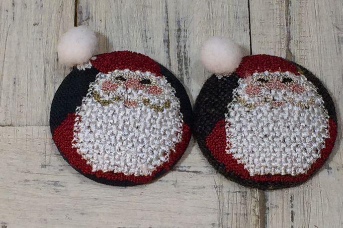 サンタスマイル刺繍くるみボタン2種