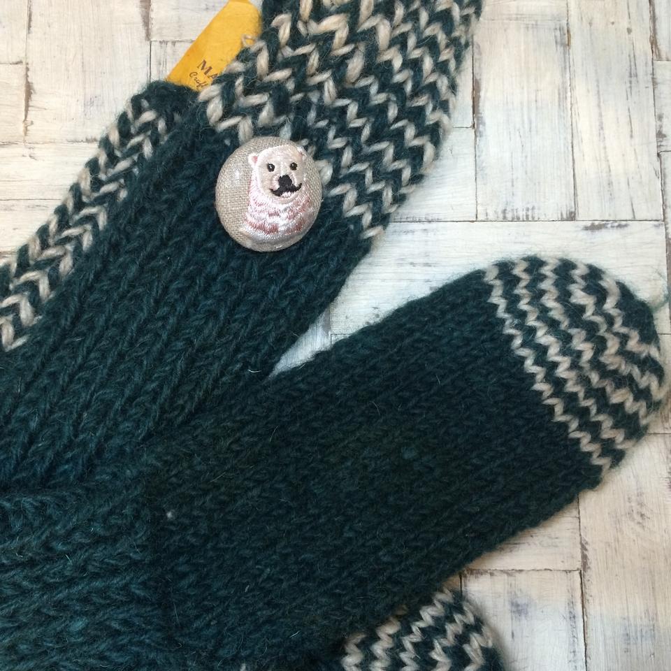 白熊パパ[ピンク]刺繍くるみボタン/靴下