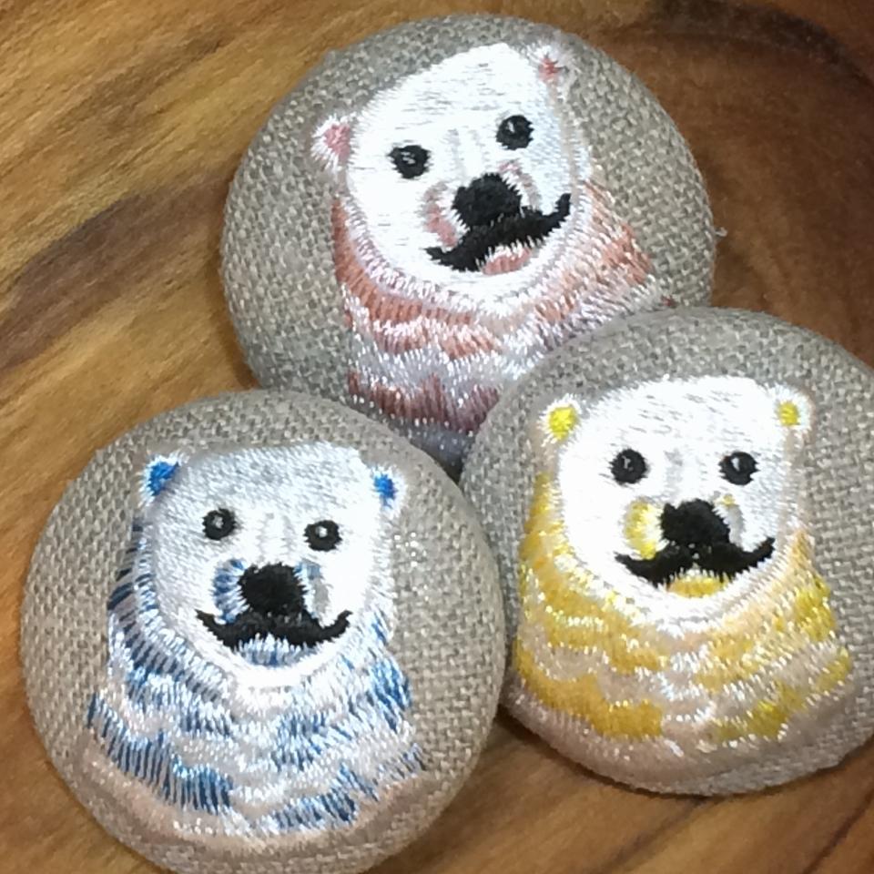 白熊パパ刺繍くるみボタン/ 3色