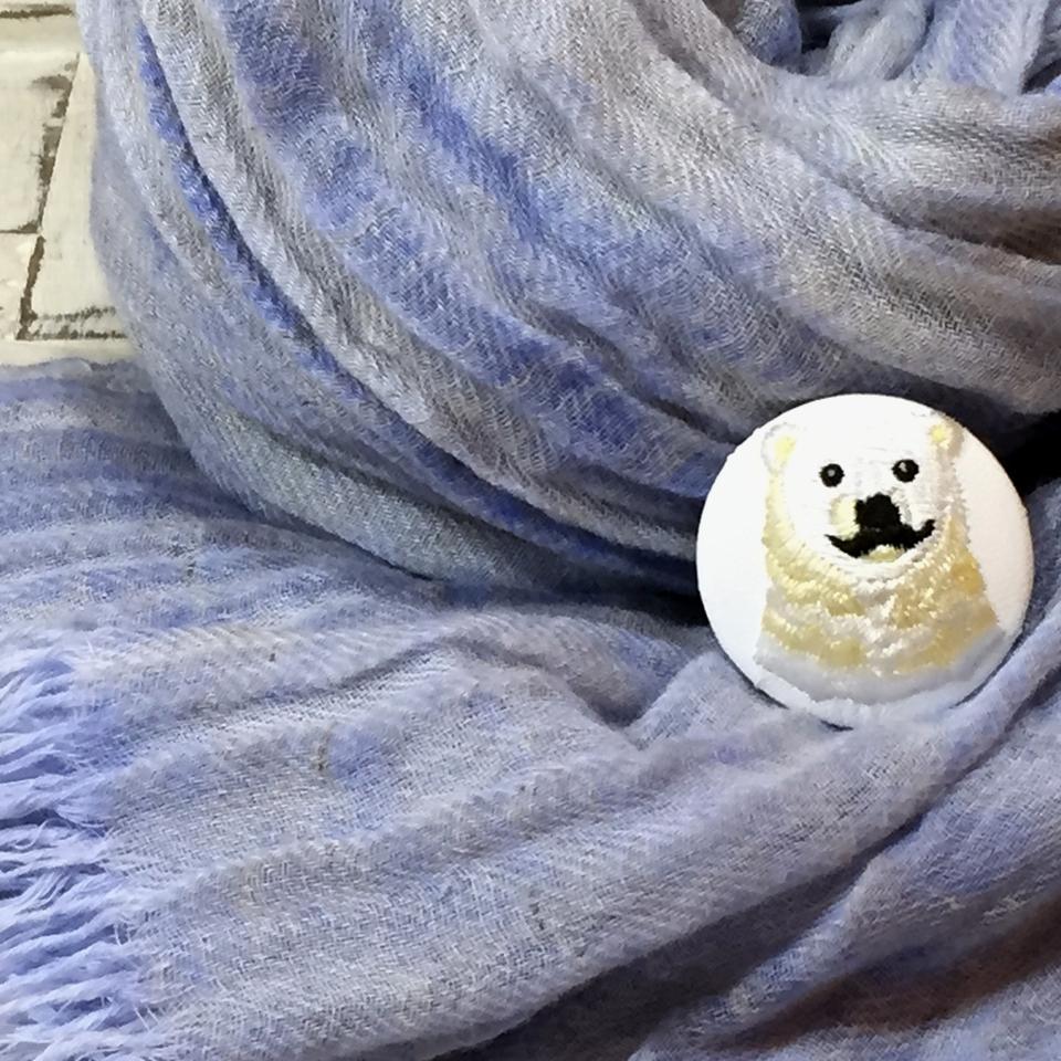 白熊パパ[黄]刺繍くるみボタン/ ストール