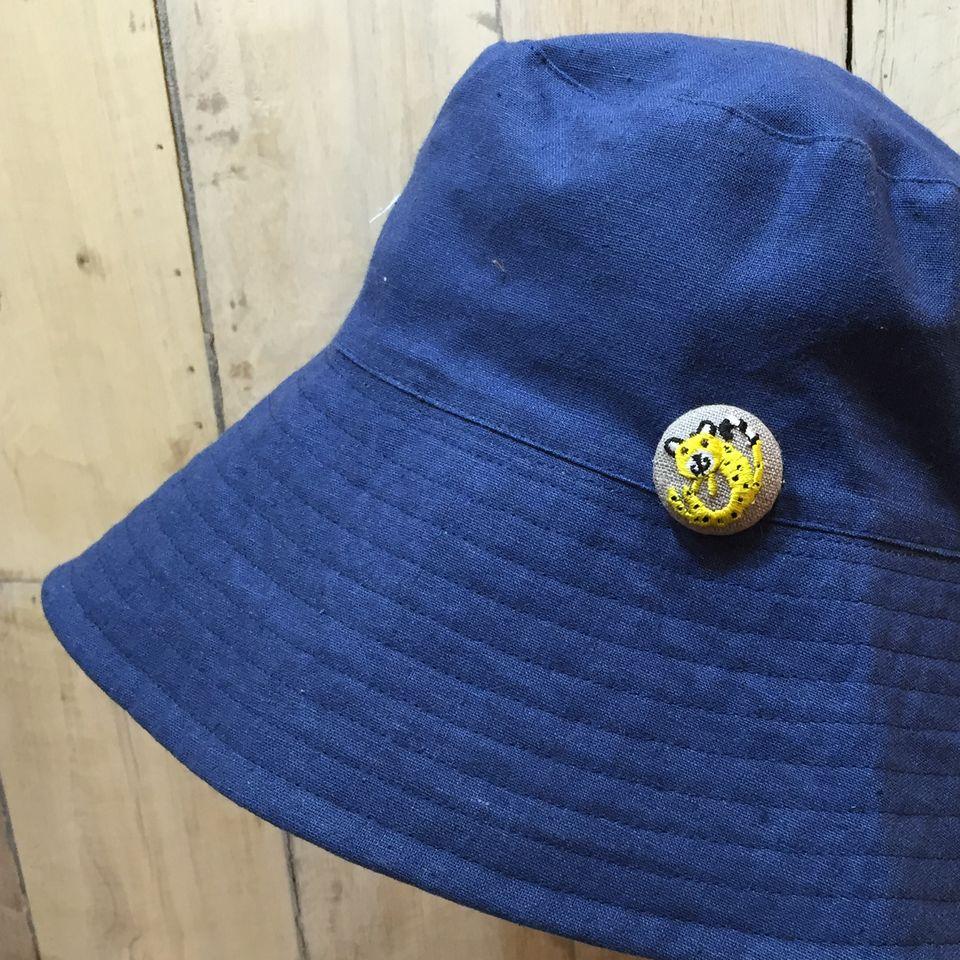 チーター[黄]刺繍くるみボタン帽子