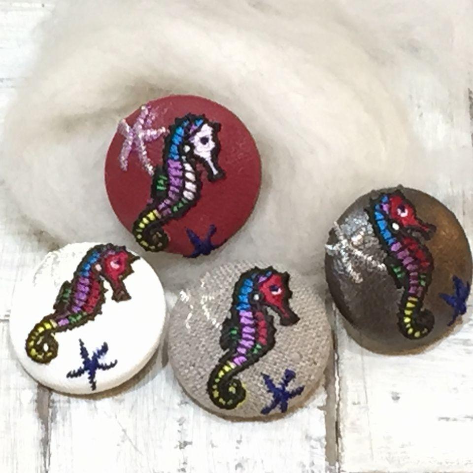 竜のオトシゴ&水玉刺繍くるみボタン4種