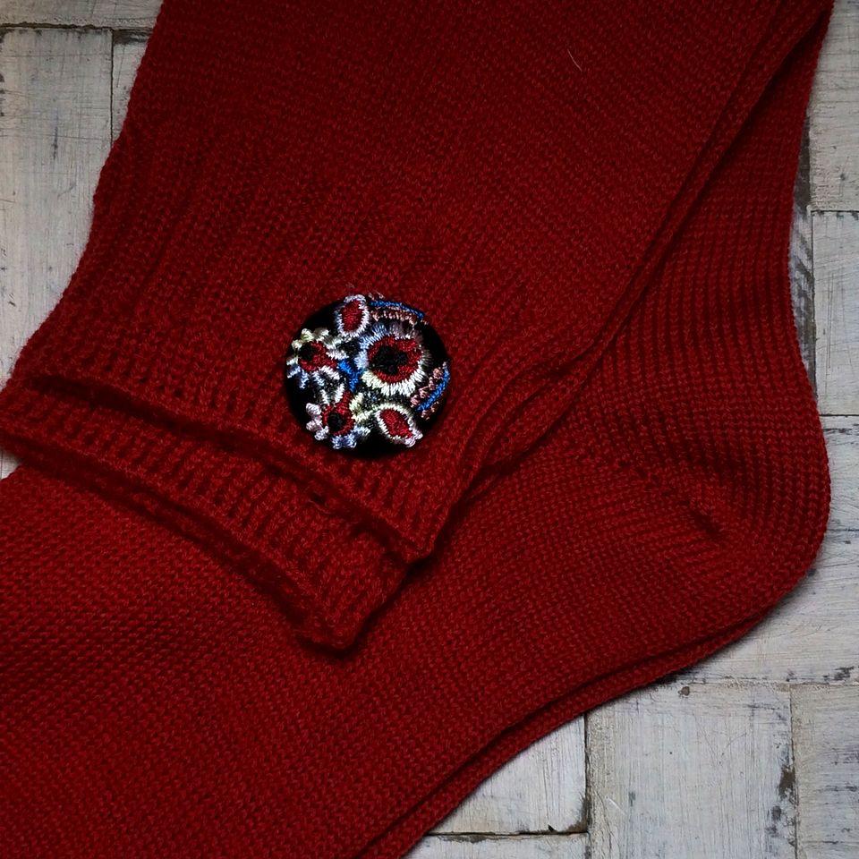 Hungary花と実[ピンク]刺繍くるみボタン/靴下+黒革