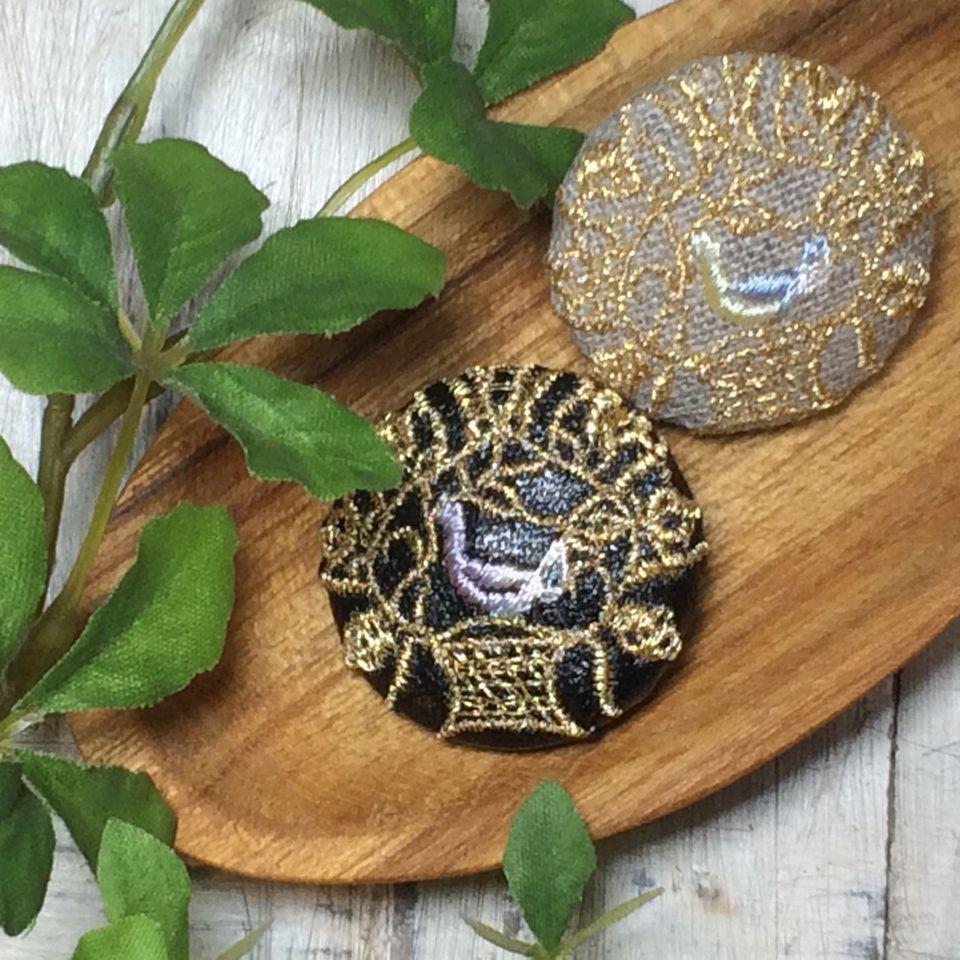 Hungary鳥カゴ[金mix]刺繍くるみボタン木のトレー