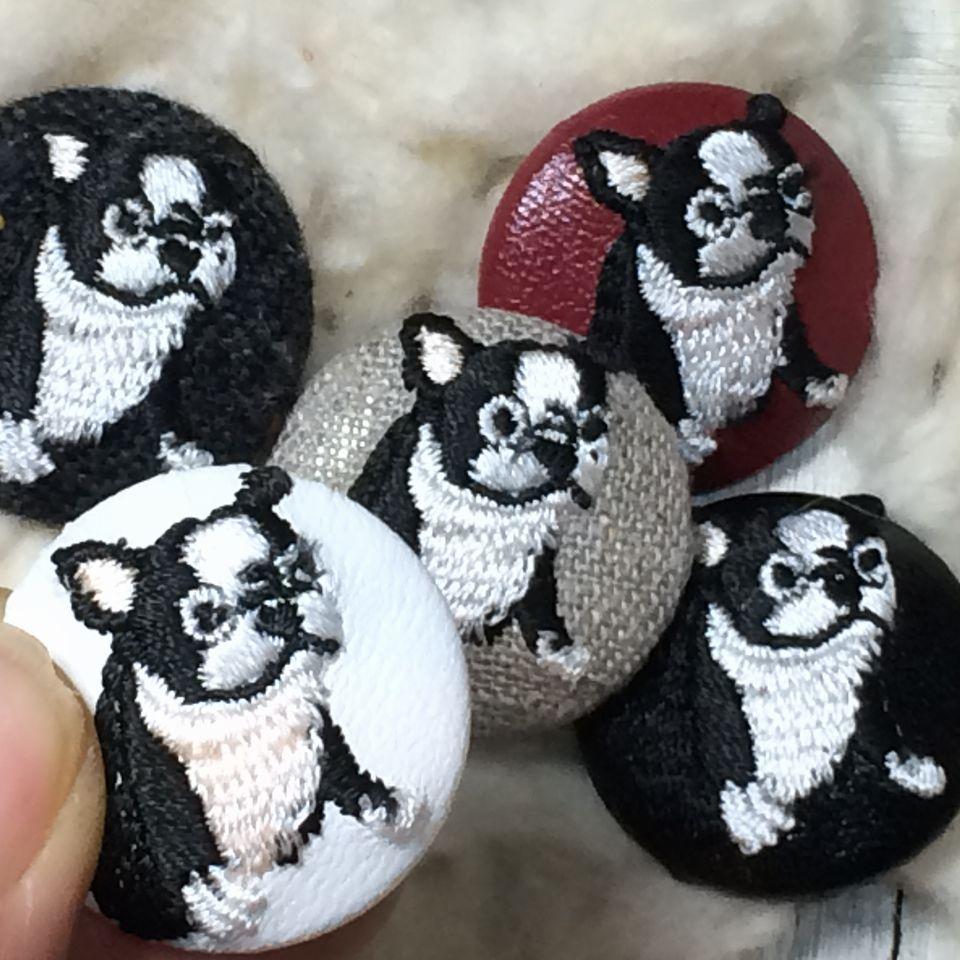 フレンチブルドッグ[白]刺繍くるみボタン5種アップ