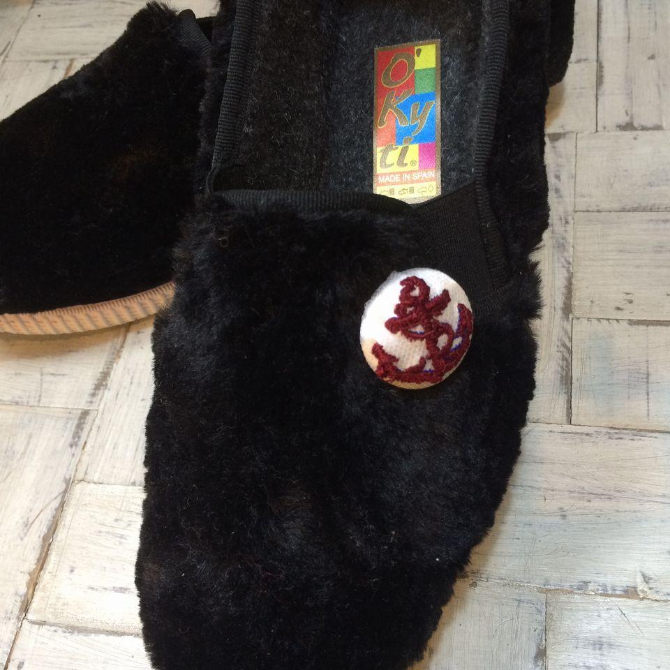 イカリ刺繍くるみボタン29/赤/靴