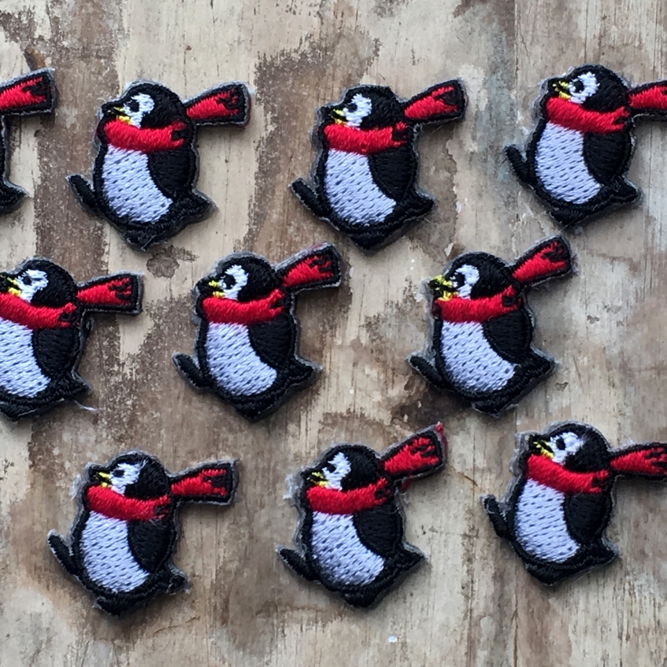 ペンギンの行進刺繍ワッペン/子いっぱい1