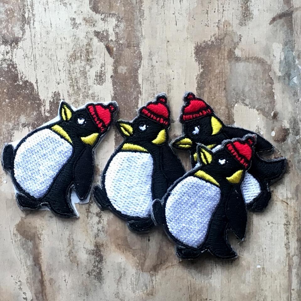 ペンギンの行進刺繍ワッペン/親4羽