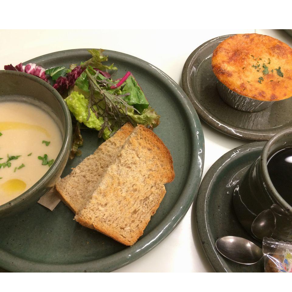 『ローズベーカリー』モーニングスープと珈琲