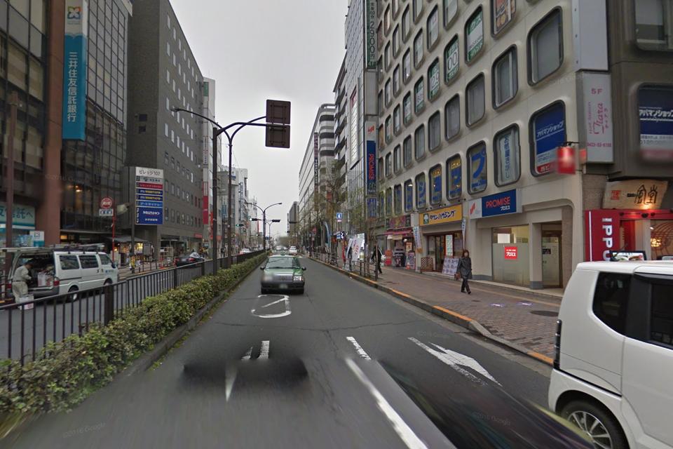吉祥寺大通りを北へ。一風堂前