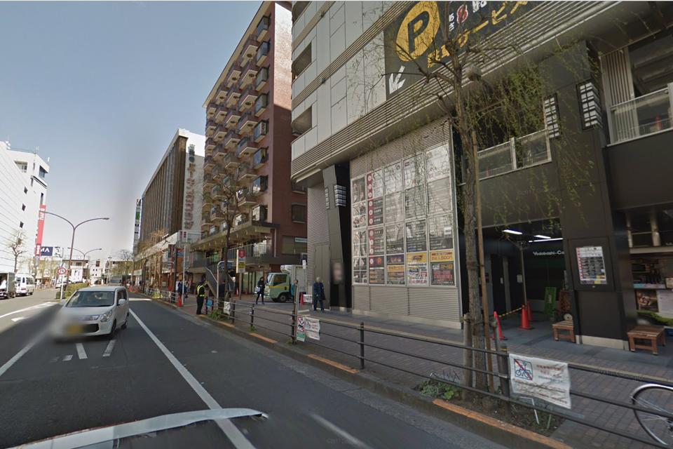 ヨドバシカメラマルチメディア吉祥寺の北側の端っこ