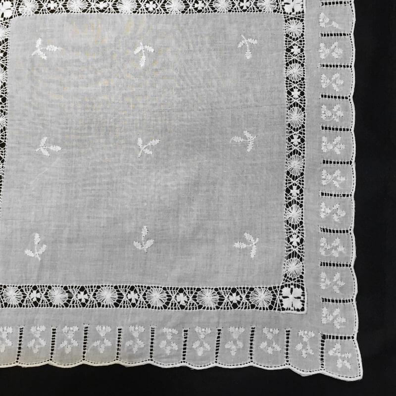 Buranoハンドワーク刺繍ハンカチーフ角