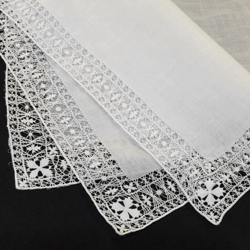 Buranoハンドワーク刺繍ハンカチーフ2枚合わせ