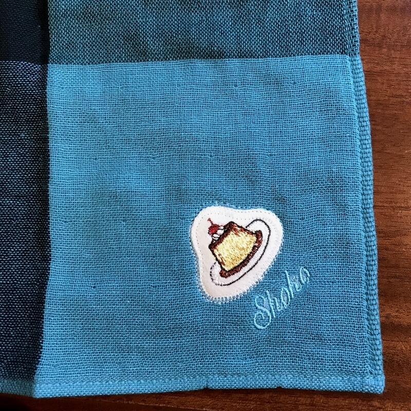 プリン刺繍ハンカチ青