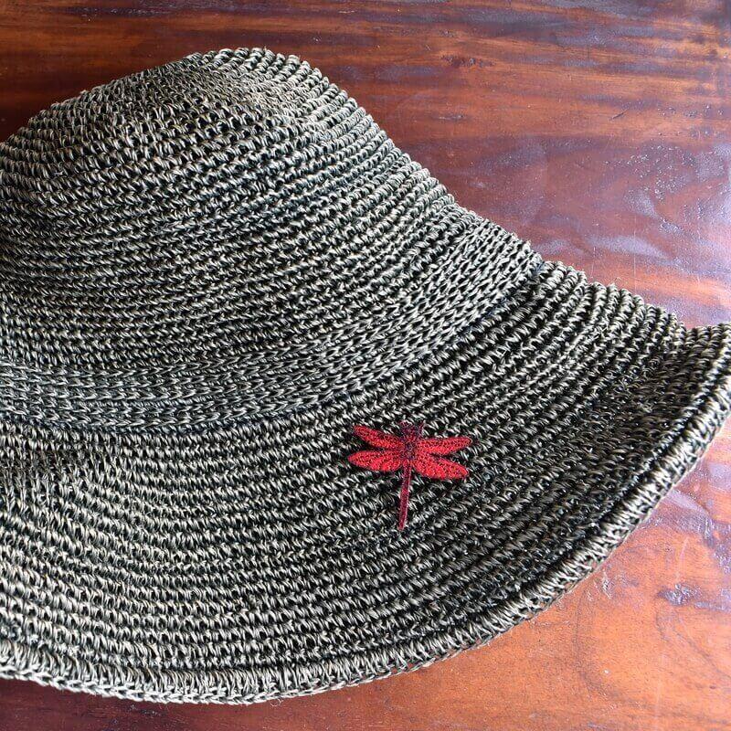 トンボ刺繍ブローチ帽子